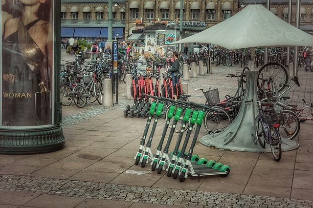 arenda-elektrosamokata-v-germanii-cena-na-circ-lime-tier-mobility-i-voi